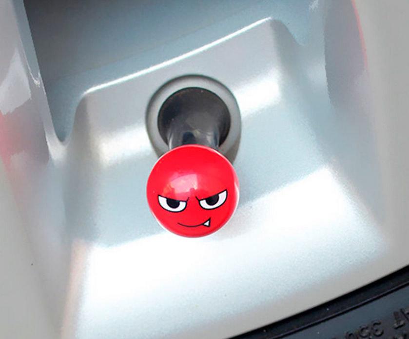 Imagem de TBE-07 - Tampa Bico Ventil Emoji Vampiro